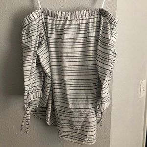 Ann Taylor Off the Shoulder top; Sz XL